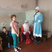 Волонтеры в детском отделении стационара ОБУЗ Льговская ЦРБ_2